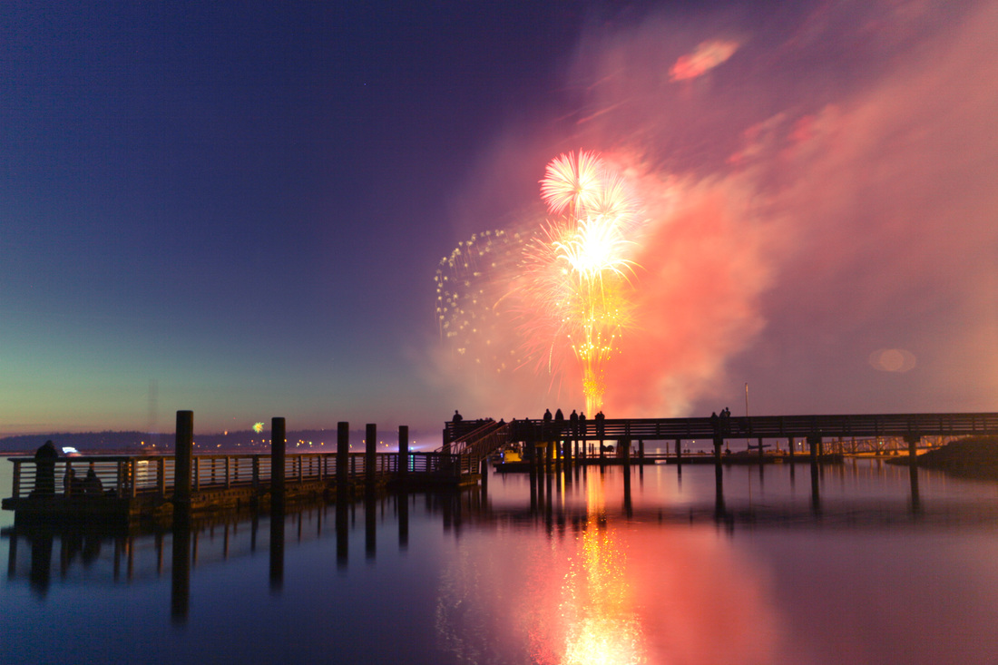 Fireworks in the sky at Bellingham's Boulevard Park on Fourth of July, Independence Day