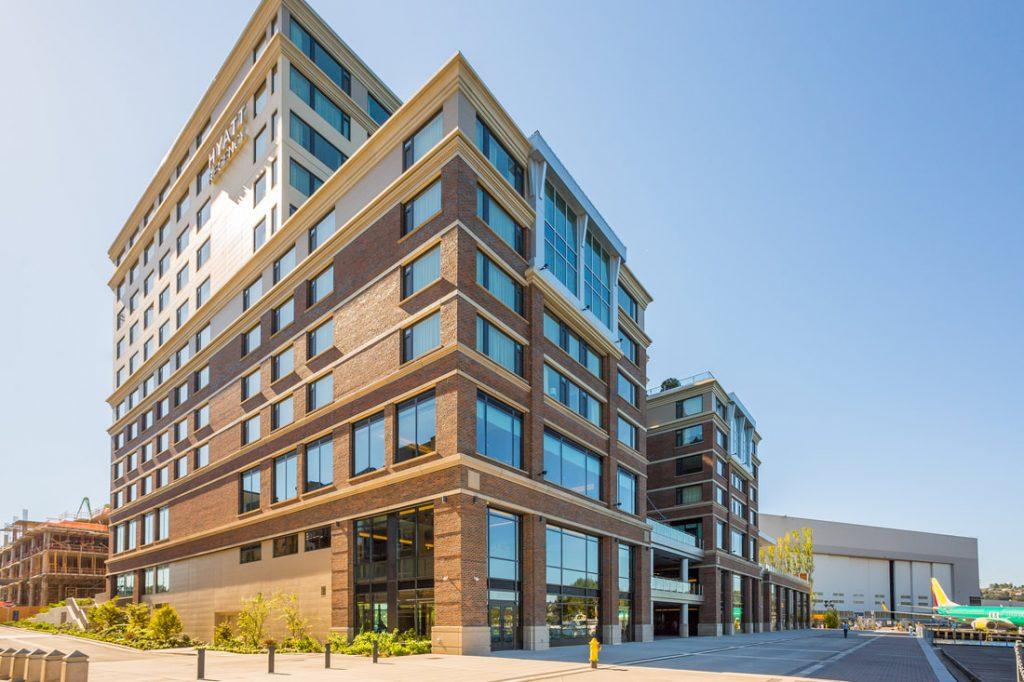 Hyatt Regency Building in Seattle, Washington during sunny hours